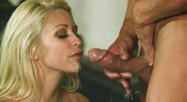 A quick bj before fucking 3