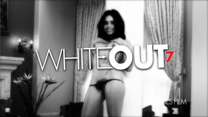 The title tag of White Out 7