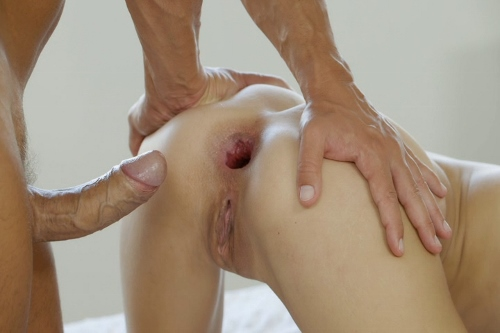 head-hole-in-pussy-hots-nude-wife